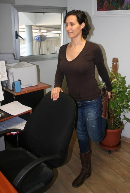 אימון כושר - תרגילי מתיחות במשרד